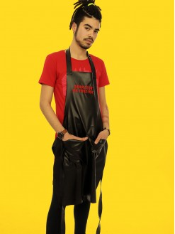Red Hot Sheezick na reezick, black apron