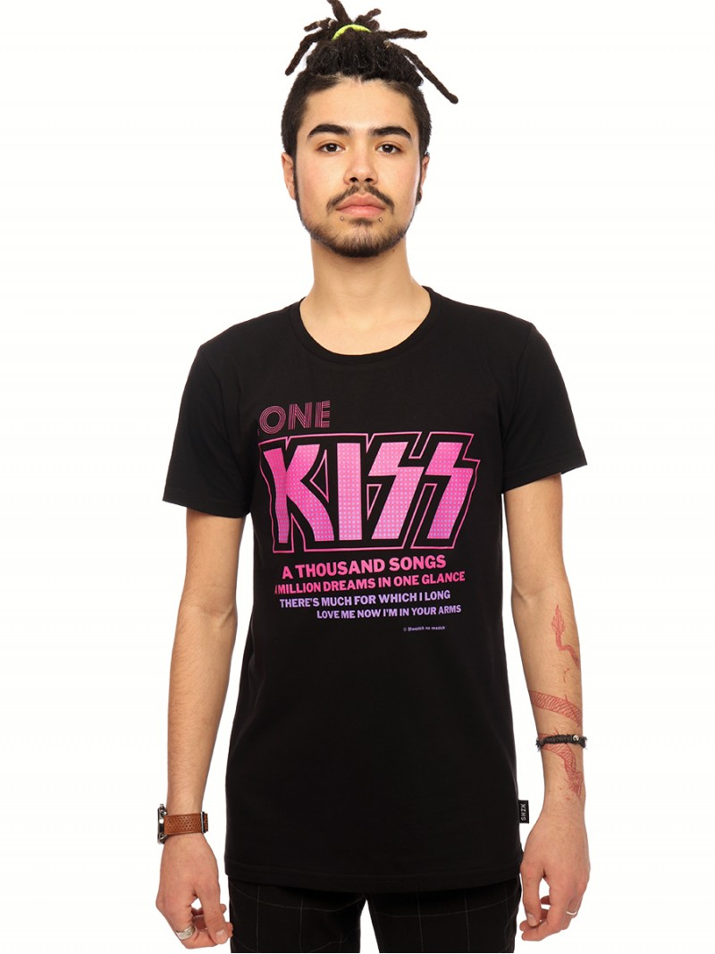 One kiss, men's t-shirt