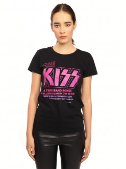 One kiss, women's t-shirt